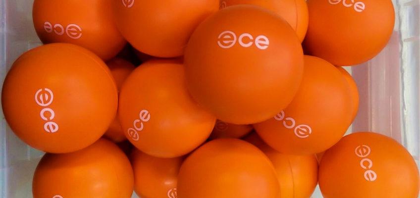 Gadżet promocyjny - pomarańczowe piłki do odstresowania